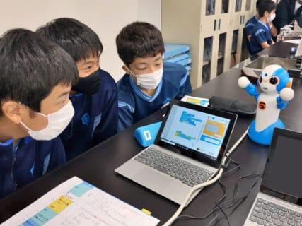 実証授業:東京の文化を英語で紹介するロボットを作る